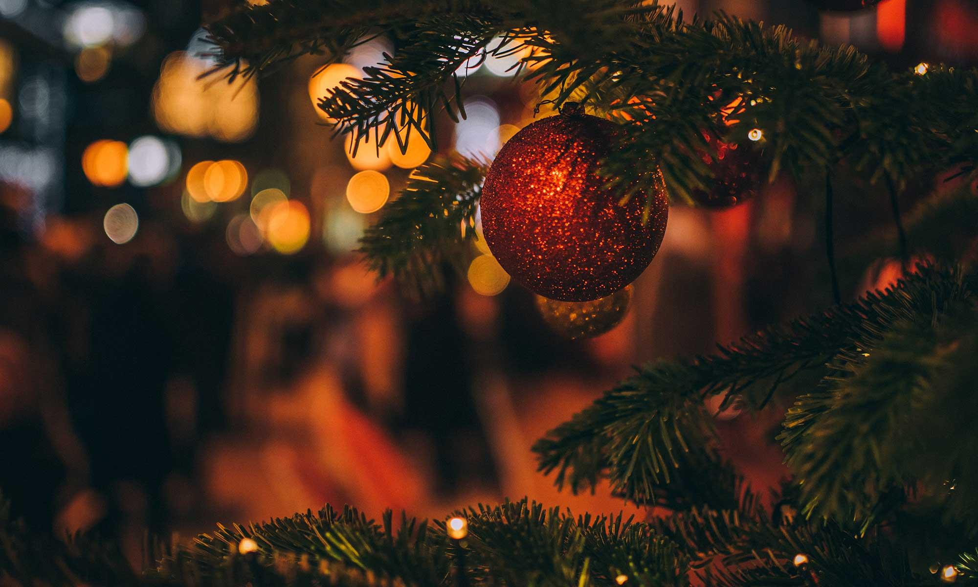 Künstliche Weihnachtsbäume